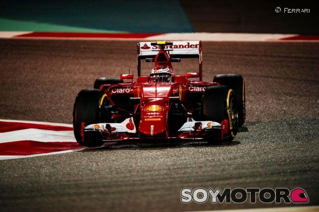 Kimi Räikkönen con el SF15-T en Baréin - LaF1