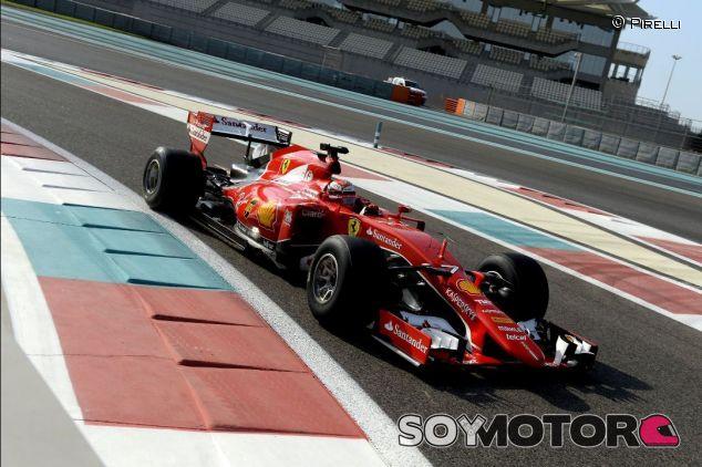 Räikkönen con el Ferrari con neumáticos 2017 - SoyMotor
