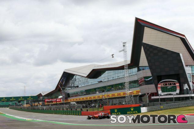 Ferrari en el GP de Gran Bretaña F1 2017: Viernes - SoyMotor.com