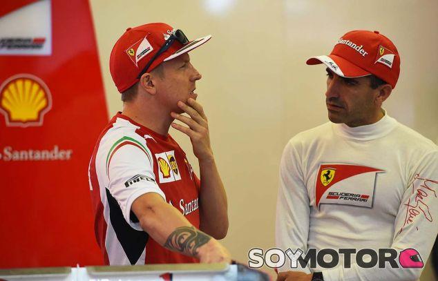 Kimi Räikkönen y Marc Gené en Yas Marina - SoyMotor.com