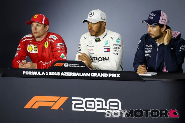 Kimi Räikkönen, Lewis Hamilton y Sergio Pérez - SoyMotor.com