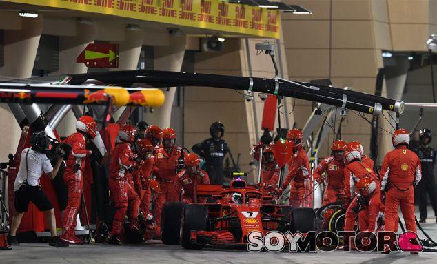 Parada de Kimi Räikkönen en Sakhir - SoyMotor.com
