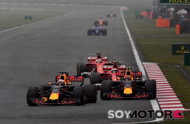Räikkönen, detrás de los dos Red Bull antes de que Vettel le pasara - SoyMotor