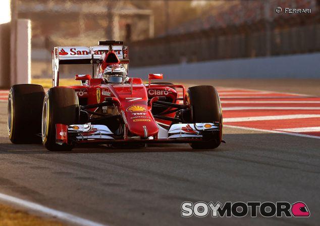Ferrari a bordo del SF15-T en Barcelona - LaF1.es