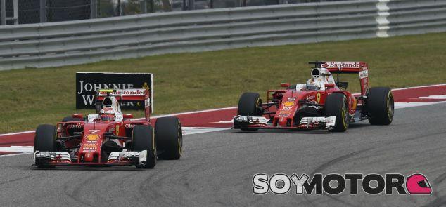 Räikkönen y Vettel durante el GP de Estados Unidos - SoyMotor