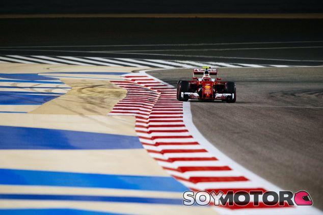 Kimi Räikkönen se ha colado entre los dos Mercedes - LaF1
