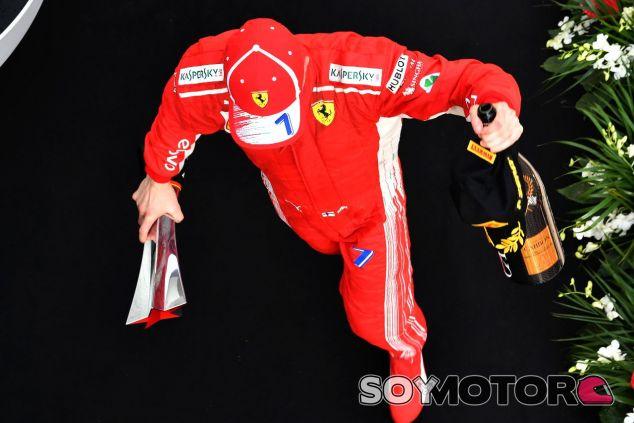Kimi Räikkönen en el podio de Shanghái –SoyMotor.com