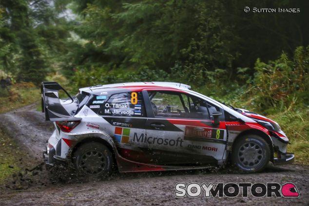 Ott Tänak y Martin Järveoja en Gales - SoyMotor.com