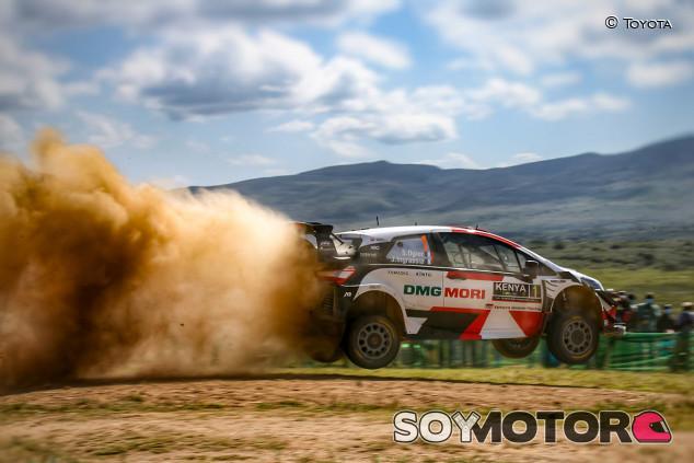 Rally Safari Kenia 2021: los Toyota 'vuelan' en la superespecial - SoyMotor.com