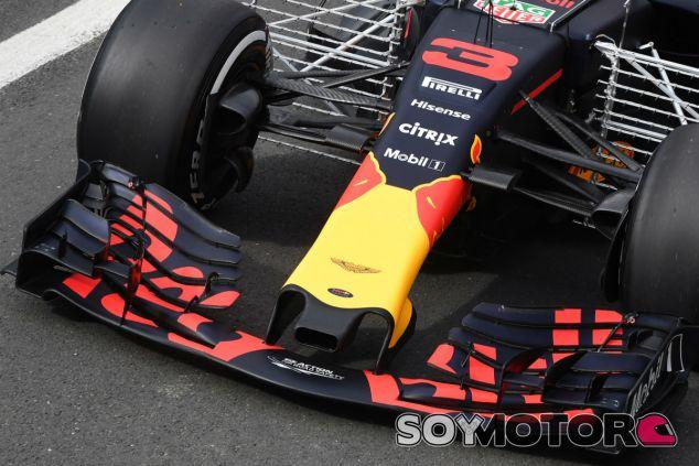 La parrilla se fija en el nuevo alerón delantero de Red Bull - SoyMotor.com
