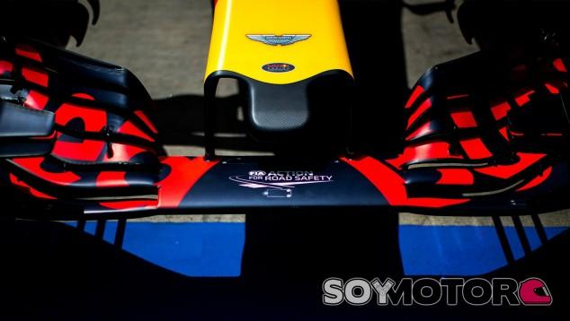 El logo de Aston Martin aparece en el morro de Red Bull - SoyMotor