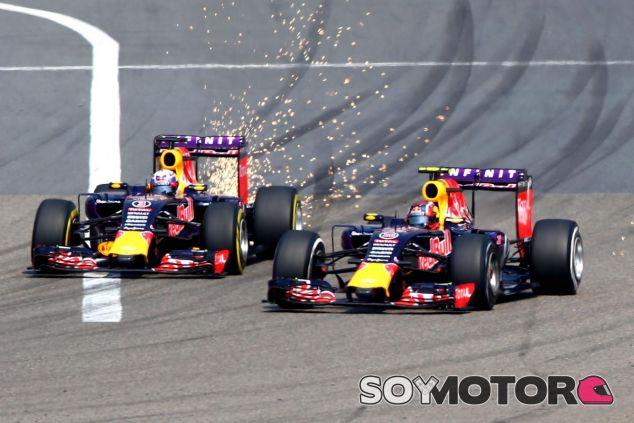 Ambos Red Bull corriendo en Shanghai - LaF1.es