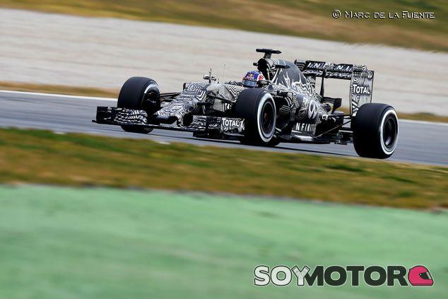 Daniil Kvyat en los test de Barcelona - LaF1
