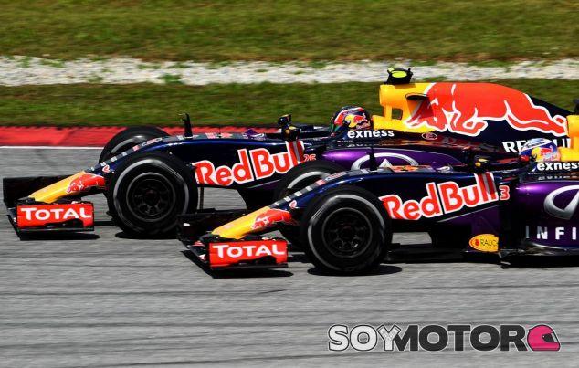 Daniel Ricciardo y Daniil Kvyat en Malasia - LaF1