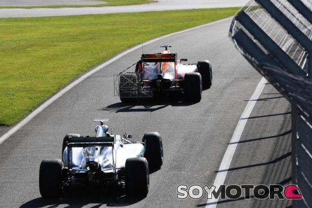 Red Bull y Mercedes en los test de Silverstone - LaF1