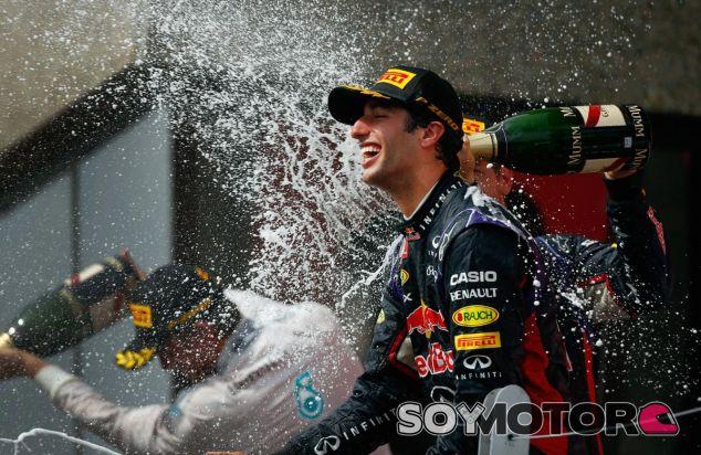 Daniel Ricciardo en el podio de Montréal - LaF1