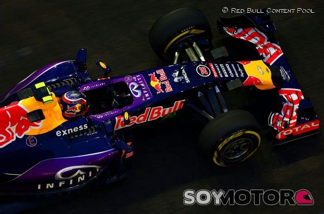 Daniil Kvyat en Singapur - LaF1