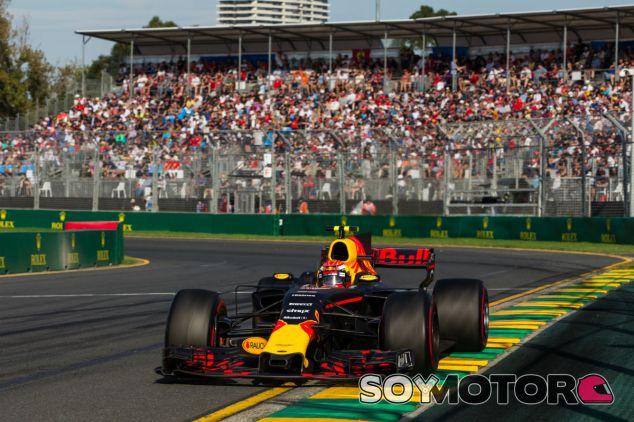 """Horner y el déficit en Australia: """"Fue culpa del chasis y del motor"""" - SoyMotor"""