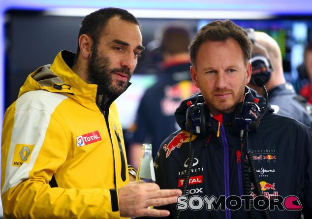 Cyril Abiteboul charlando con Christian Horner - LaF1.es