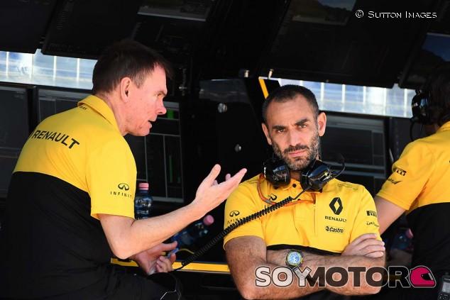 Alan Permane y Cyril Abiteboul en una imagen de archivo - SoyMotor.com
