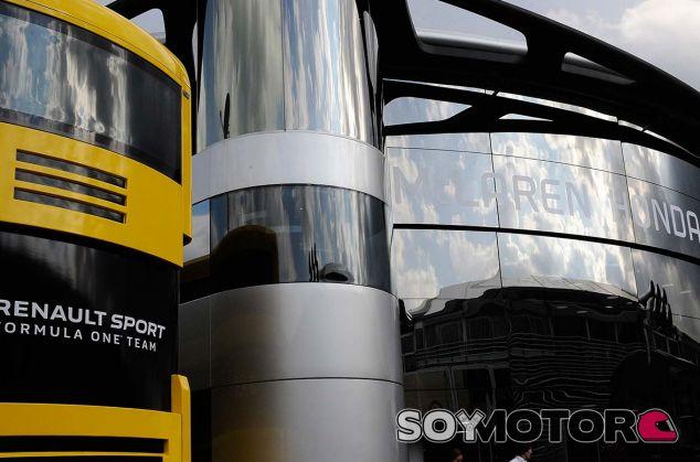 Hospitalities de Renault y McLaren en Monza - SoyMotor.com