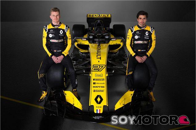 Hülkenberg y Sainz con el nuevo RS18 - SoyMotor.com