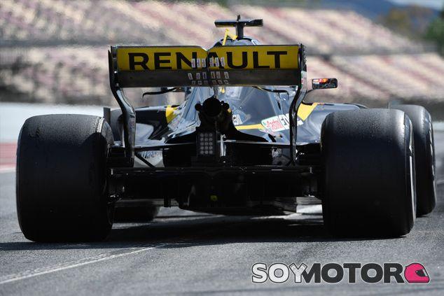 Carlos Sainz Jr. en Barcelona - SoyMotor.com