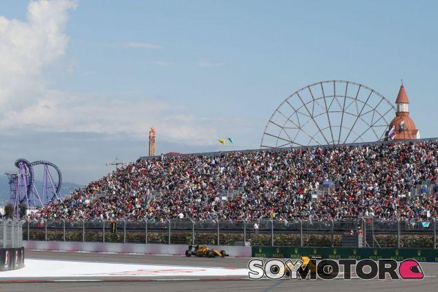 Buena carrera para Renault hoy en Sochi - LaF1