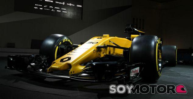 Renault protagoniza un filming day en el Circuit de Barcelona - SoyMotor
