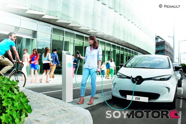 Las ayudas para comprar coches eléctricos y a gas no bastan para incentivar el mercado - SoyMotor.com