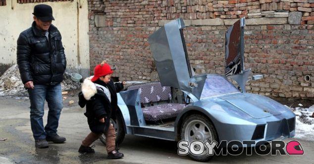 Construyó la réplica de un Lamborghini en miniatura para su nieto - SoyMotor.com