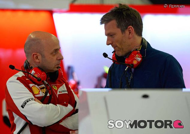 Simone Resta con James Allison en el box de Ferrari - LaF1