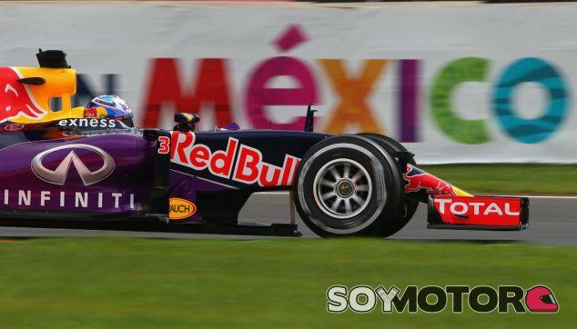 Ricciardo defiende el espíritu combativo de su equipo - LaF1