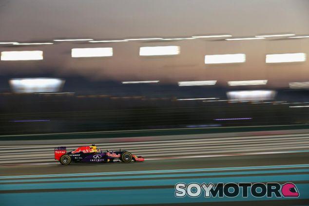 Ricciardo no pudo mantener detrás a Vettel y acabó fuera del Top 5 - LaF1