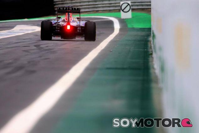 Ricciardo vuelve a la especificación anterior del propulsor Renault - LaF1