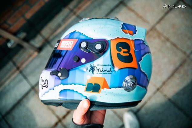 Daniel Ricciardo presenta su casco para la temporada 2021 - SoyMotor.com