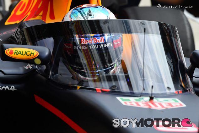 Daniel Ricciardo en Sochi - SoyMotor.com