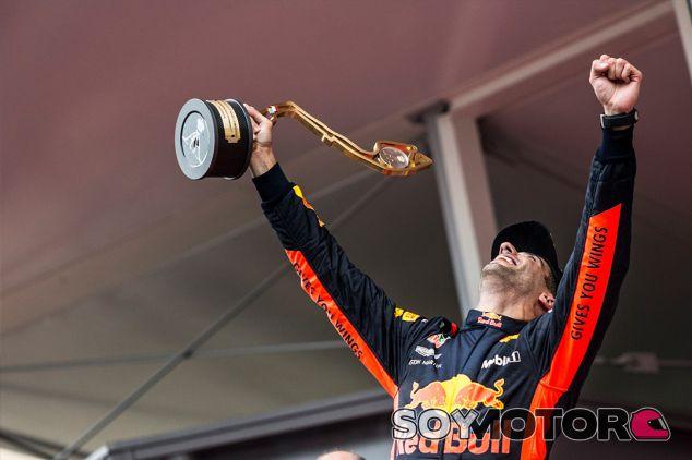 Daniel Ricciardo en el podio de Mónaco - SoyMotor.com