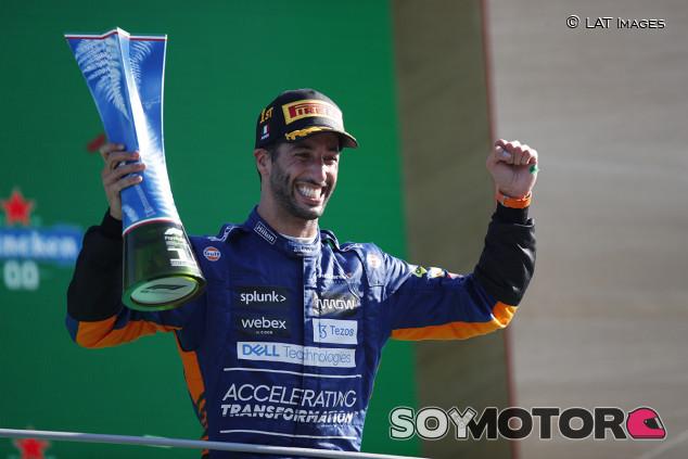 Ricciardo gana en Monza... ¡y otro accidente Verstappen-Hamilton! - SoyMotor.com