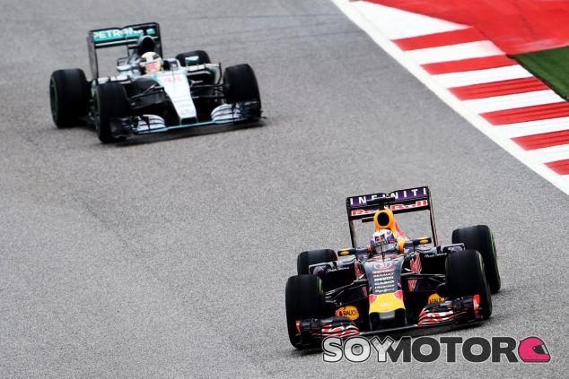 Red Bull y Mercedes batallaron en la pista de Austin, y también fuera de ella - LaF1