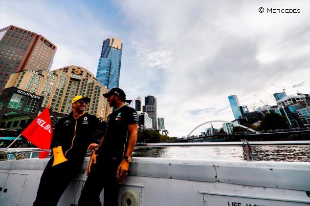 Mercedes explica por qué detuvo las negociaciones con Ricciardo para 2019 - SoyMotor.com