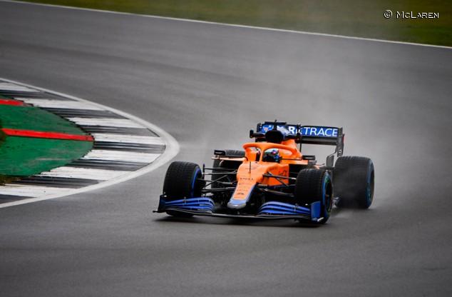 Ricciardo debuta con McLaren: el MCL35M se estrena en un filming day - SoyMotor.com