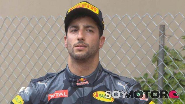 Daniel Ricciardo en el podio de Mónaco - LaF1