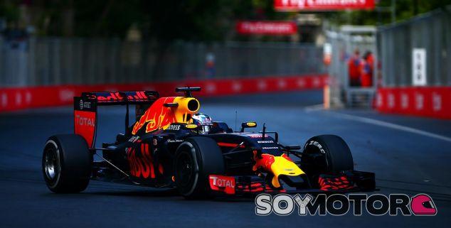 Daniel Ricciardo en el Gran Premio de Bakú - LaF1