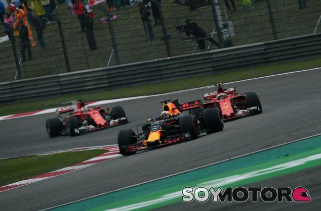 Räikkönen fue incapaz de adelantar a Ricciardo - SoyMotor