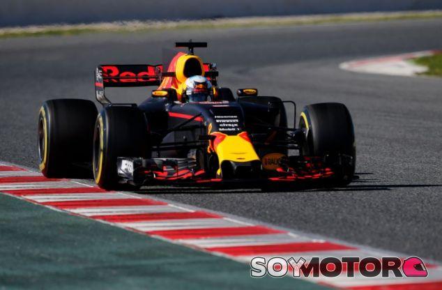 Daniel Ricciardo en la jornada de hoy en el Circuit de Barcelona-Catalunya - SoyMotor