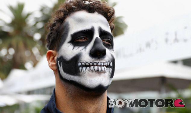 Ricciardo, con la cara pintada en la previa al GP de México - LaF1
