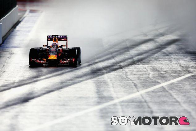 Ricciardo atravesando la zona más delicada del circuito de Sochi - LaF1