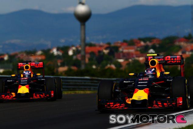 Red Bull durante los entrenamientos libres del GP de Hungría - LaF1