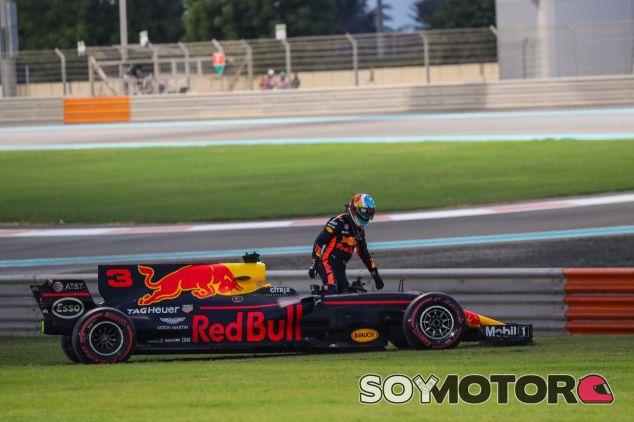Daniel Ricciardo abandona en el GP de Abu Dabi – SoyMotor.com